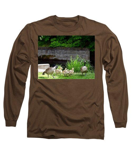 Canada Geese With Goslings Long Sleeve T-Shirt
