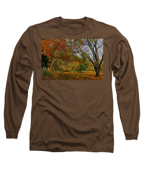 Old Tree And Foliage Long Sleeve T-Shirt