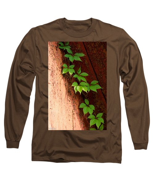 Vitis Long Sleeve T-Shirt