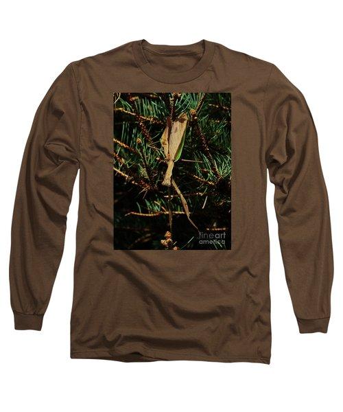 Hanging Mantis  Long Sleeve T-Shirt