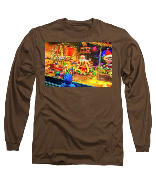 Holiday Widow Display In New York Long Sleeve T-Shirt