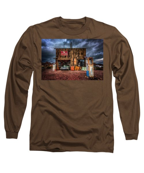 Nelson Nevada, Weathered Garage, Car, And Gas Pump Long Sleeve T-Shirt