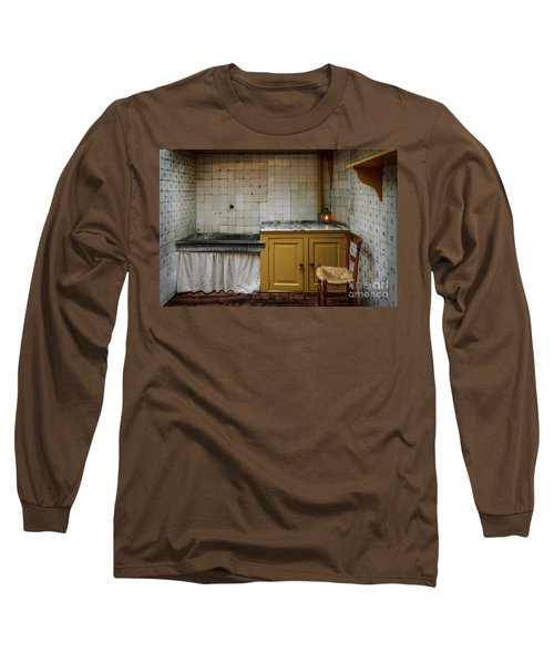 Long Sleeve T-Shirt featuring the photograph 19th Century Kitchen In Amsterdam by RicardMN Photography