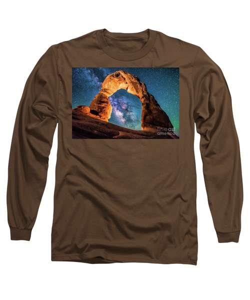 A Portal To The Milky Way At Delicate Arch Long Sleeve T-Shirt