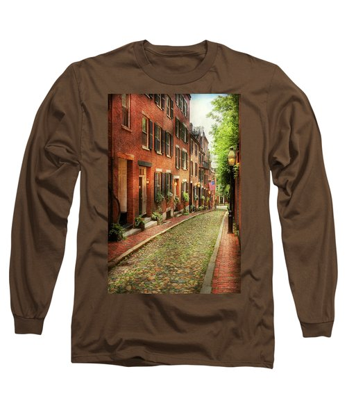 Long Sleeve T-Shirt featuring the photograph City - Boston Ma - Acorn Street by Mike Savad