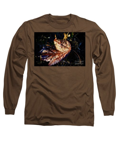 Dew Drops Sparkling And Showing Life On A Leaf -georgia Long Sleeve T-Shirt