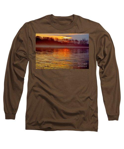 Foggy Sunrise At The Delaware River Long Sleeve T-Shirt
