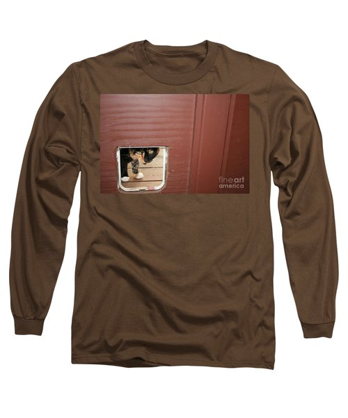 Curly Peeking Long Sleeve T-Shirt