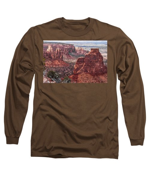 Independence Monument At Colorado National Monument Long Sleeve T-Shirt