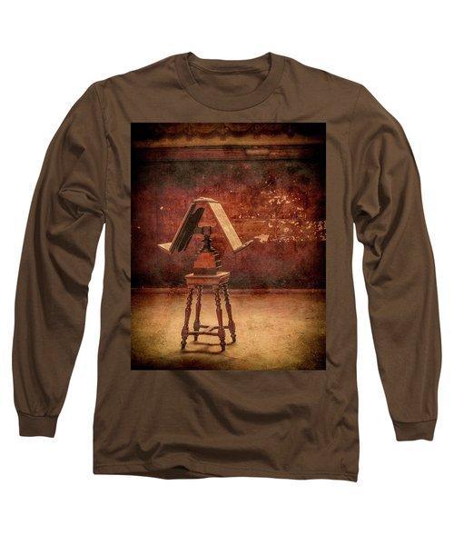 Paris, France - Lectern Long Sleeve T-Shirt