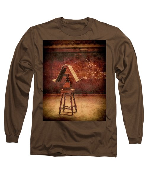 Paris, France - Lectern Long Sleeve T-Shirt