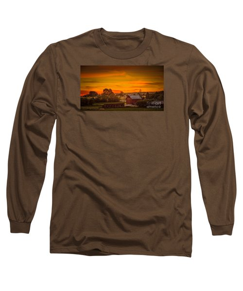 Old Red Barn Long Sleeve T-Shirt by Robert Bales