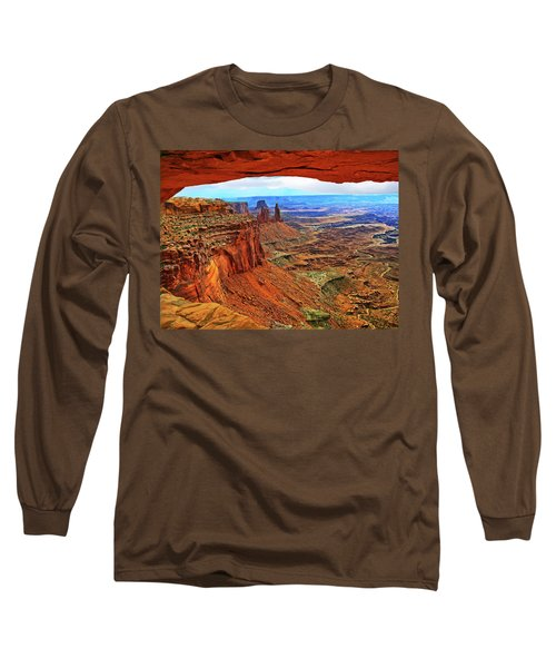 Overlooking Canyonlands National Park    Moab Utah Long Sleeve T-Shirt