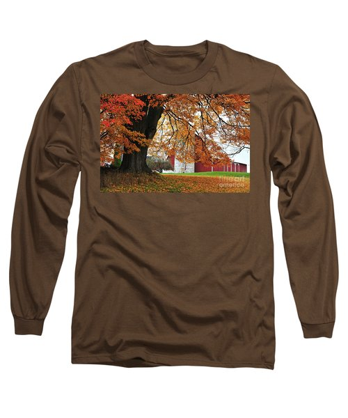 Red Barn In Autumn Long Sleeve T-Shirt