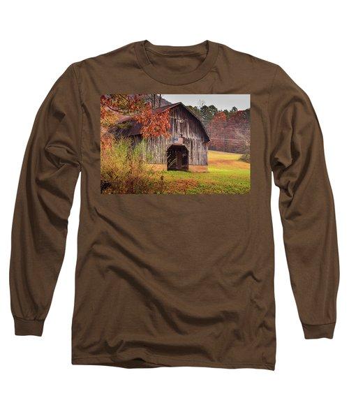 Rustic Barn In Autumn Long Sleeve T-Shirt