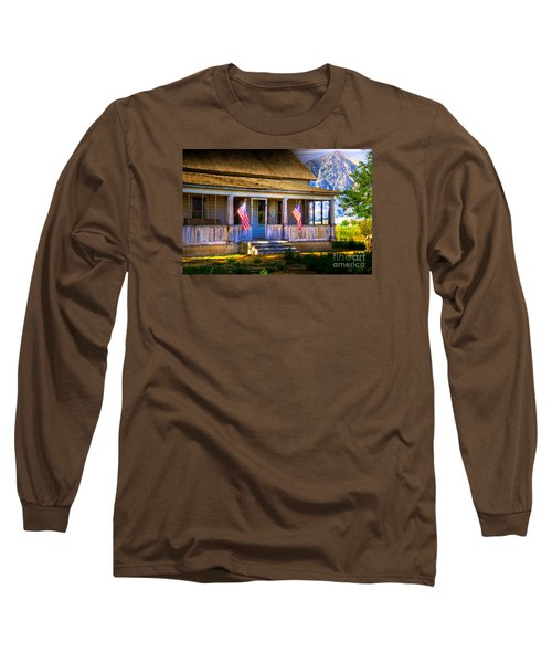 Long Sleeve T-Shirt featuring the photograph Rustic Patriotic House by Kelly Wade