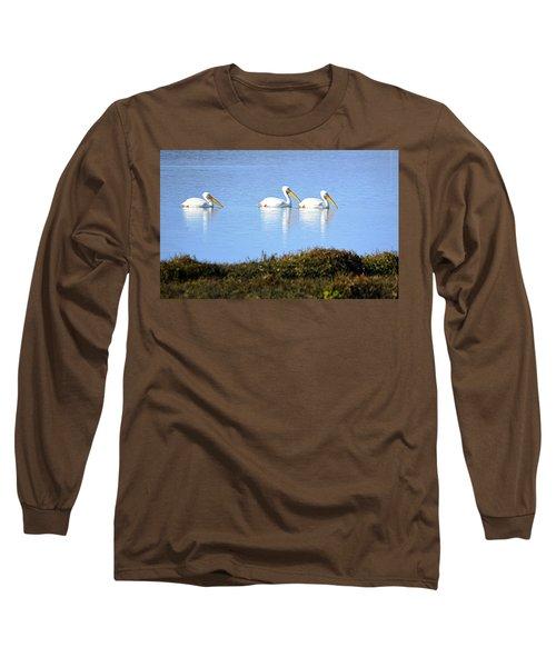 Tres Pelicanos Blancos Long Sleeve T-Shirt