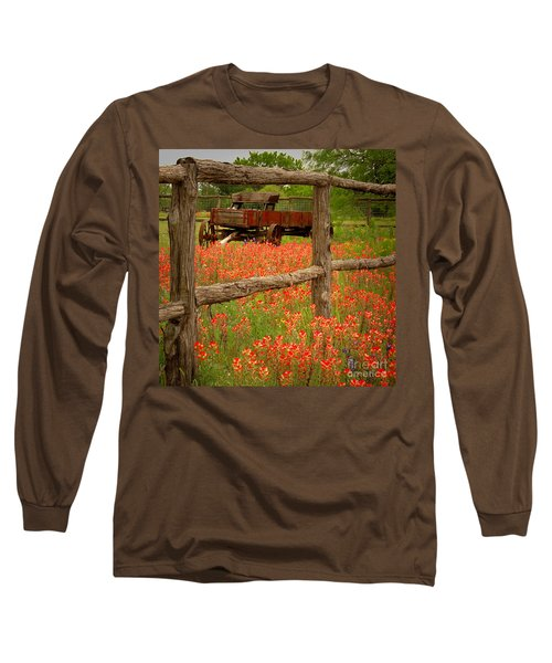 Wagon In Paintbrush - Texas Wildflowers Wagon Fence Landscape Flowers Long Sleeve T-Shirt