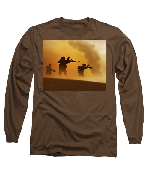 Ww2 British Soldiers On The Attack Long Sleeve T-Shirt