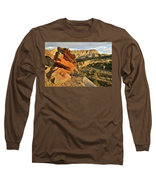 Cliffside Rock Cropping In Colorado National Monument Long Sleeve T-Shirt