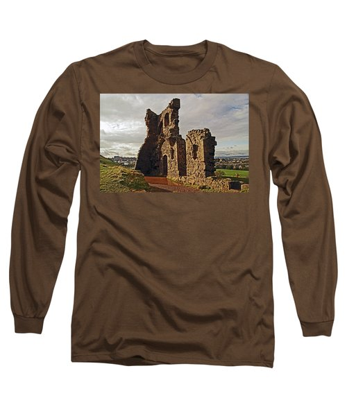 Edinburgh. St. Anthony's Chapel, Holyrood Park Long Sleeve T-Shirt