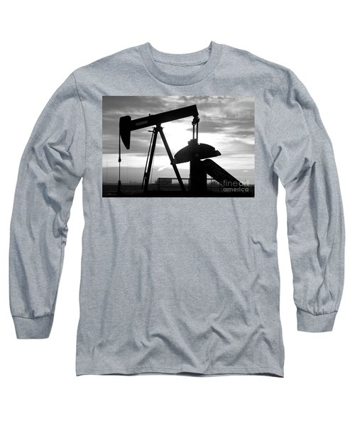 Oil Well Pump Jack Black And White Long Sleeve T-Shirt