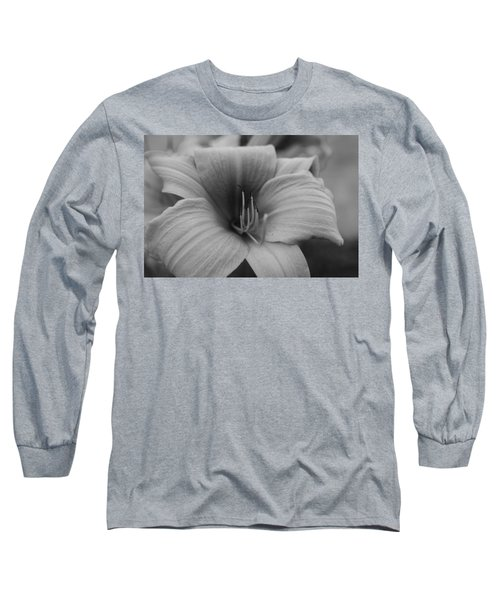 Single Spring Flower Long Sleeve T-Shirt