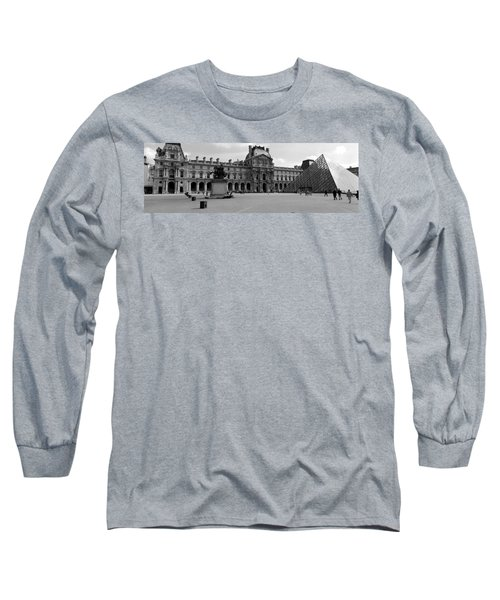 Tourists In The Courtyard Of A Museum Long Sleeve T-Shirt