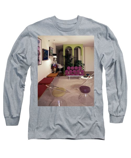 A Retro Living Room Long Sleeve T-Shirt