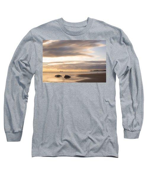 Aberdeen Beach At Dawn Long Sleeve T-Shirt