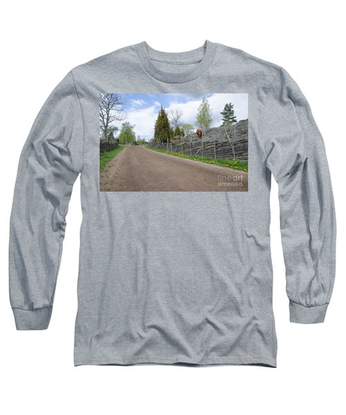 Long Sleeve T-Shirt featuring the photograph Along An Old Fashioned Road by Kennerth and Birgitta Kullman