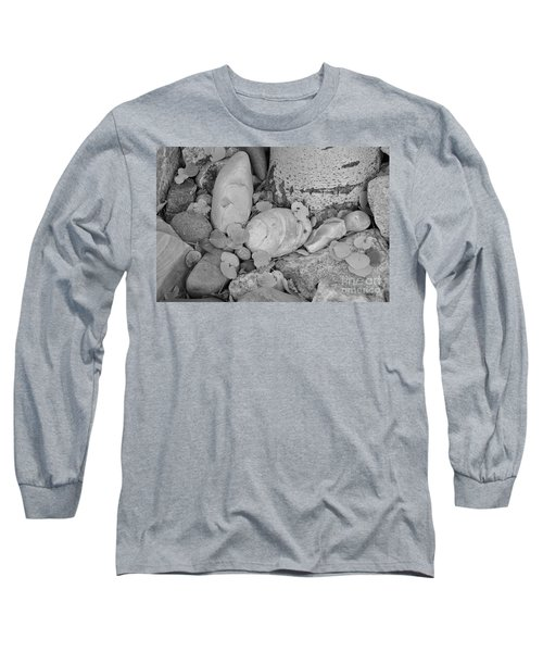 Aspen Leaves On The Rocks - Black And White Long Sleeve T-Shirt