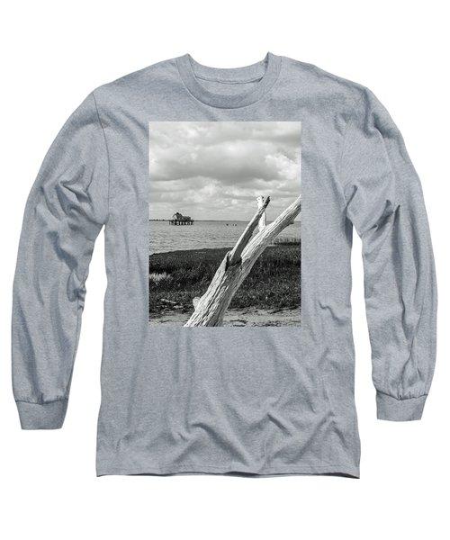 Chincoteague Oystershack Bw Vertical Long Sleeve T-Shirt