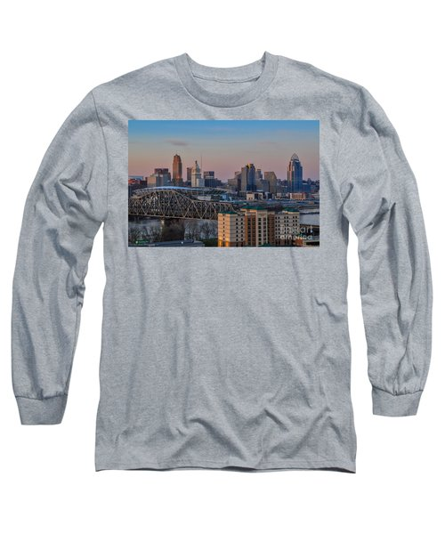 D9u-876 Cincinnati Ohio Skyline Photo Long Sleeve T-Shirt
