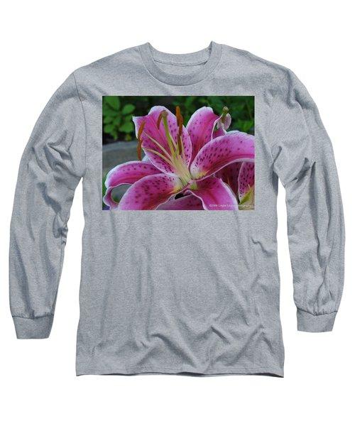 Long Sleeve T-Shirt featuring the photograph Elegance by Lingfai Leung