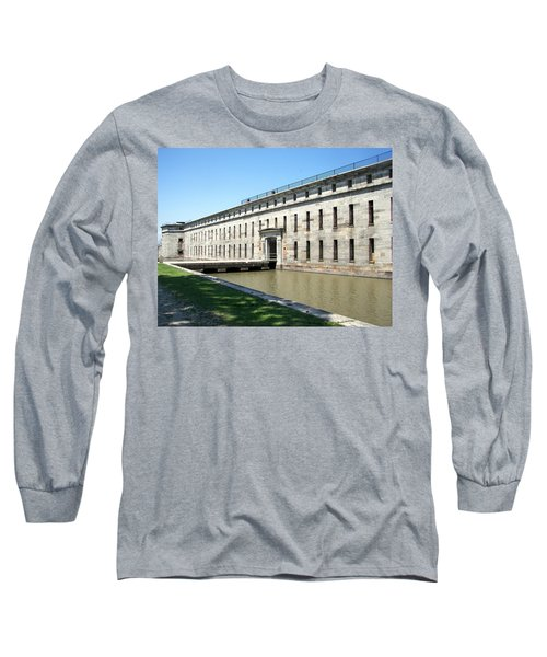 Fort Delaware Sally Port Entrance Long Sleeve T-Shirt