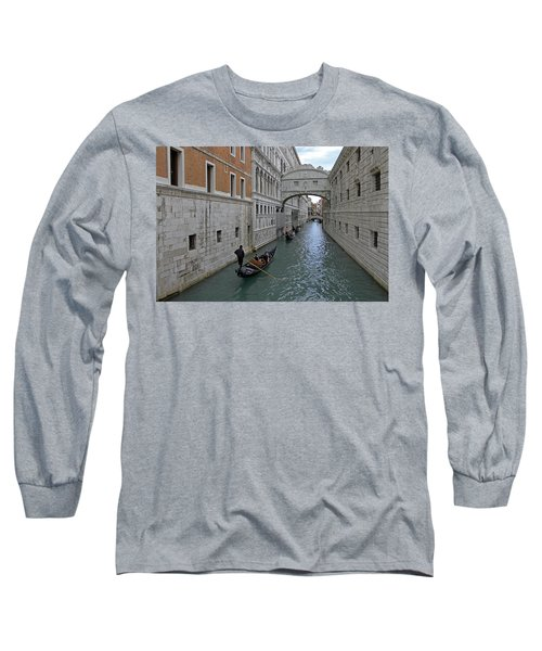 Gondolas Under Bridge Of Sighs Long Sleeve T-Shirt