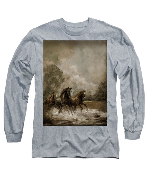 Horse Painting Escaping The Storm Long Sleeve T-Shirt