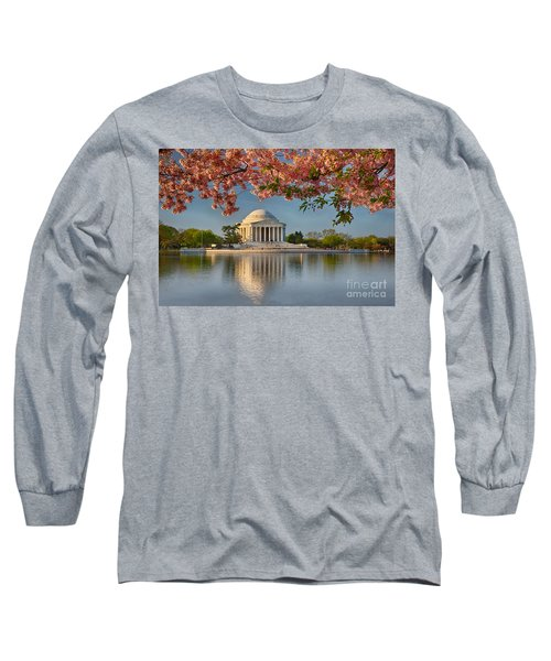 Jefferson Memorial In Spring Long Sleeve T-Shirt