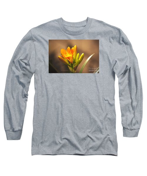 Single Kaffir Lily Bloom Long Sleeve T-Shirt