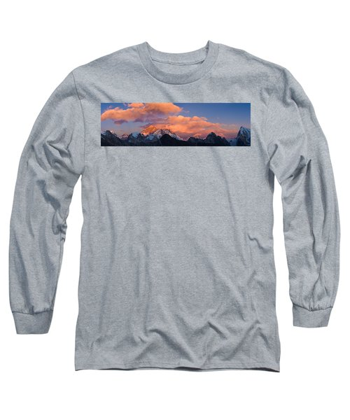 Snowcapped Mountain Peaks, Mt Everest Long Sleeve T-Shirt