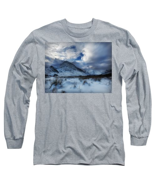 Winter At Tryfan Long Sleeve T-Shirt