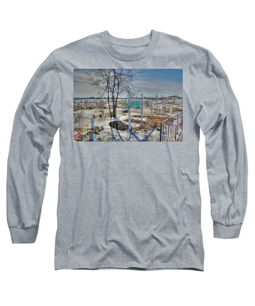 Wintery Grave Long Sleeve T-Shirt