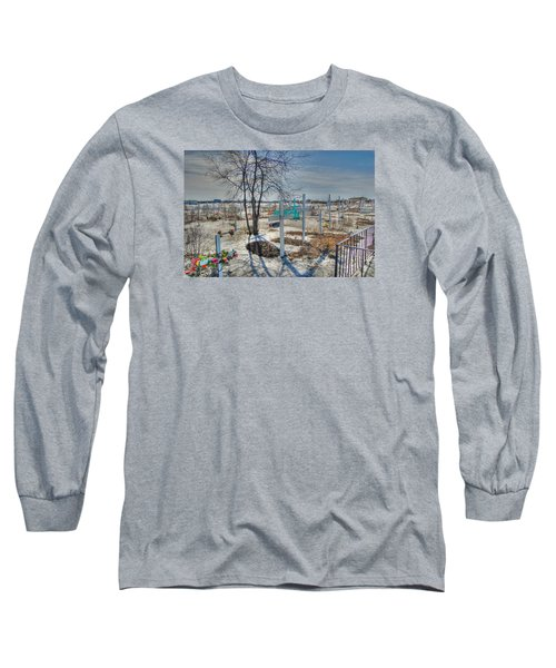 Wintery Grave Long Sleeve T-Shirt