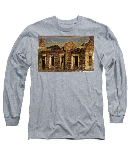 Long Sleeve T-Shirt featuring the digital art Abandoned Farmhouse by Blair Stuart