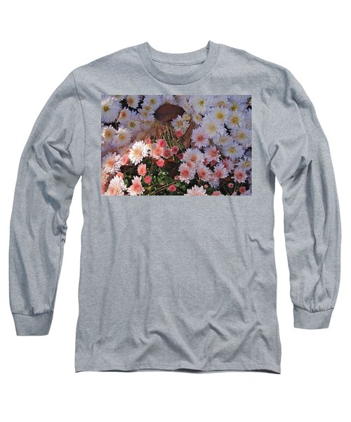 Long Sleeve T-Shirt featuring the photograph Pink Mum by Joseph Yarbrough