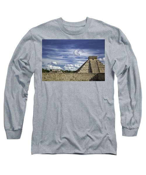 Chichen Itza, El Castillo Pyramid Long Sleeve T-Shirt