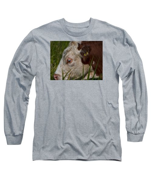 Long Sleeve T-Shirt featuring the photograph Face by Leif Sohlman