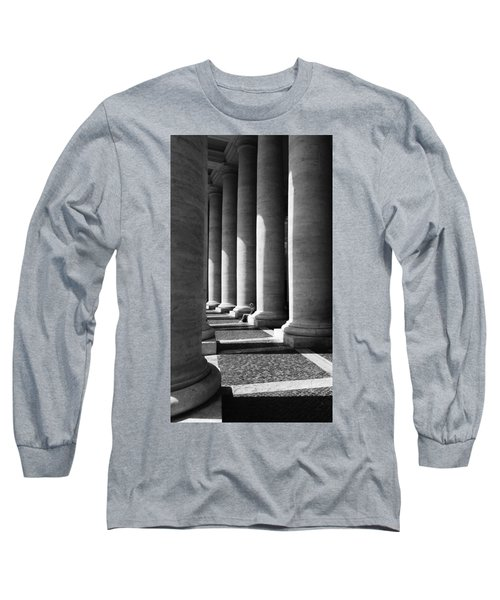 Waiting At St Peters Long Sleeve T-Shirt