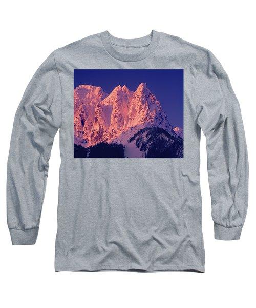 1m4503-a Three Peaks Of Mt. Index At Sunrise Long Sleeve T-Shirt